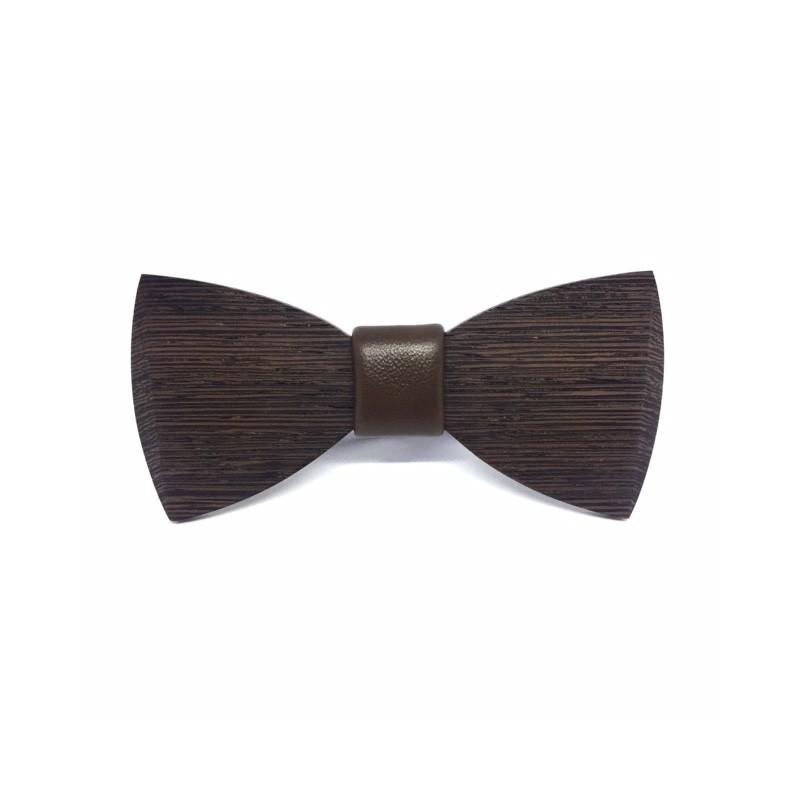 Drewniana muszka z ciemnego drewna