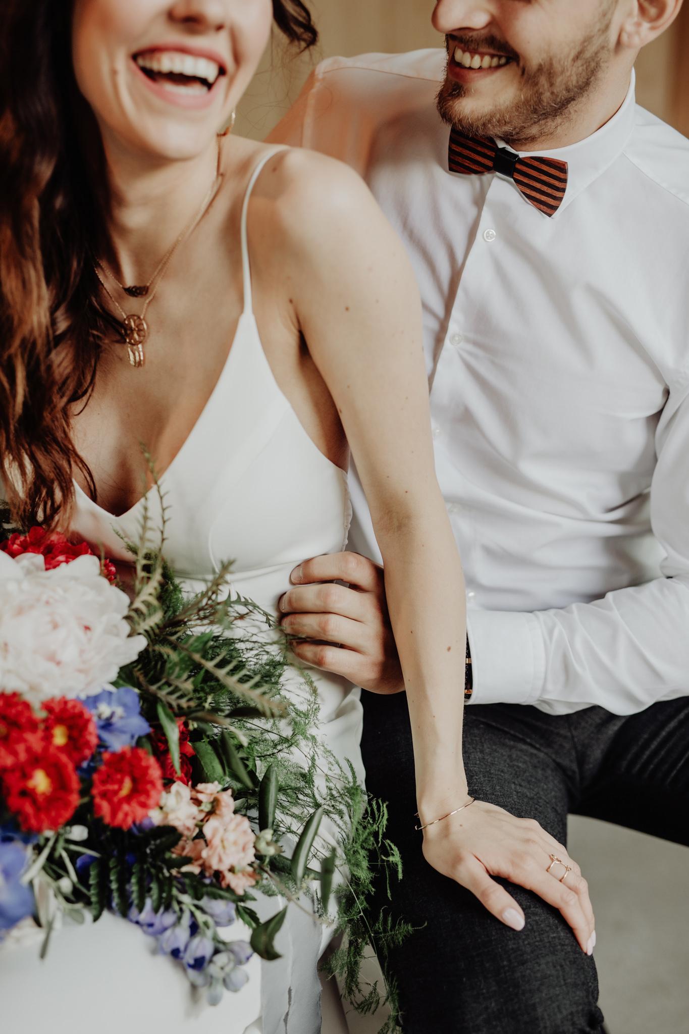 drewniana muszka na ślub
