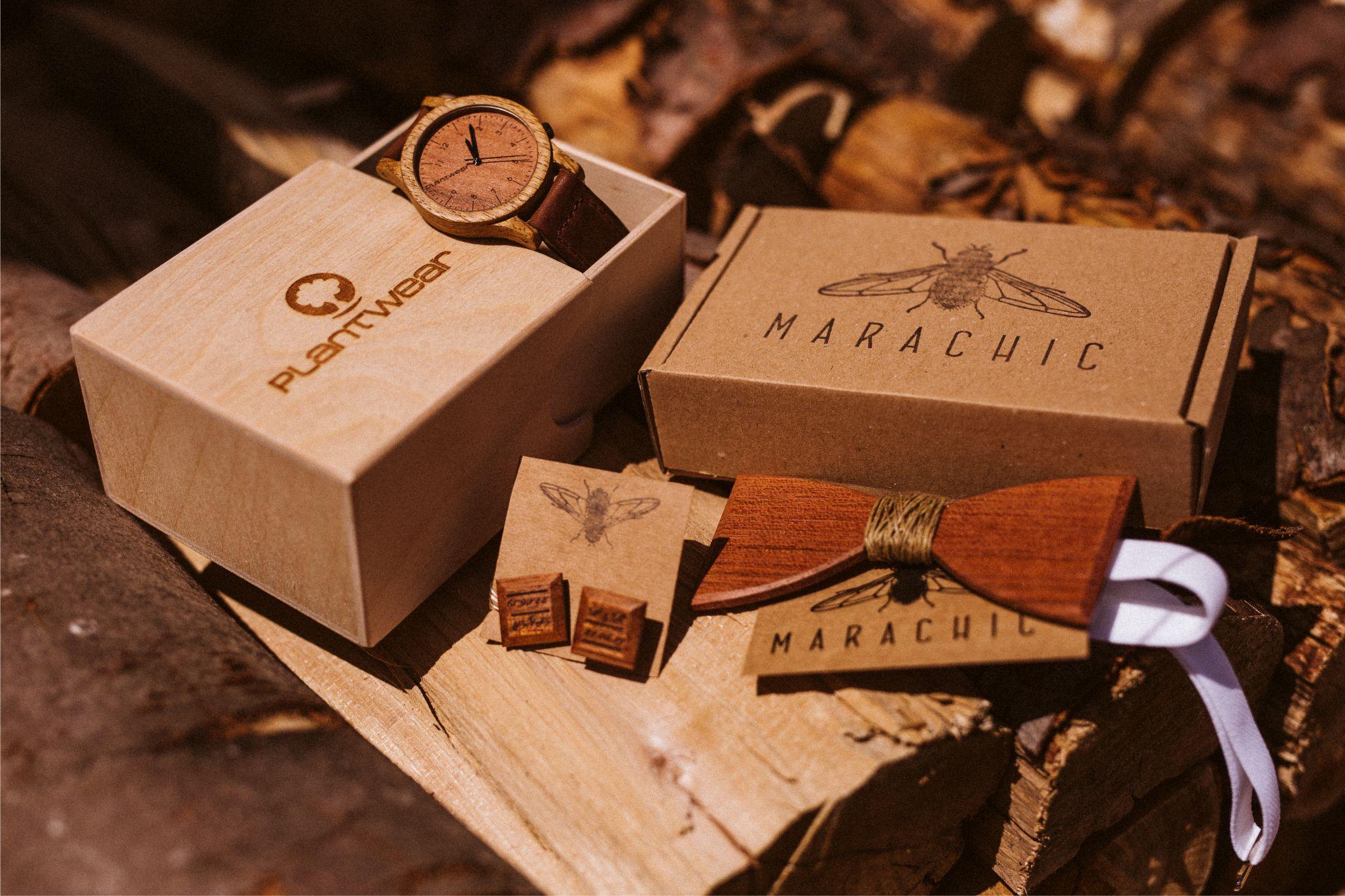 Drewniana muszka, spinki do mankietów i zegarek Plantwear